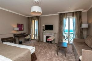Hôtel Le Royal Promenade des Anglais, Hotel  Nizza - big - 42