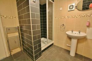Central Hotel Cheltenham by Roomsbooked, Hotely  Cheltenham - big - 15