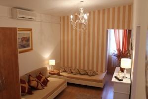 Villa Bougenvilia Tomas, Апартаменты  Тучепи - big - 24