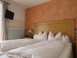 Landhotel und Berggasthof Panorama, Hotel  Garmisch-Partenkirchen - big - 67