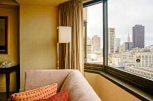 Skyline  View - Two Double Beds Hearing Accessible
