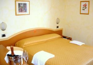 Hotel La Perla, Hotels  Cupra Marittima - big - 2