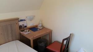 EUT-IN Hotel Alte Straßenmeisterei, Guest houses  Eutin - big - 32