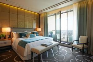 King Tower Suite