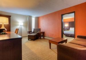 Suite with Two Double Beds- Non Smoking
