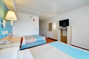 Motel 6 Newport Rhode Island, Отели  Ньюпорт - big - 9