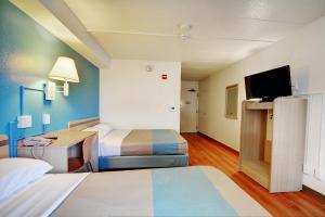Motel 6 Newport Rhode Island, Отели  Ньюпорт - big - 28