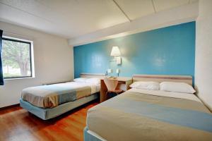 Motel 6 Newport Rhode Island, Отели  Ньюпорт - big - 27