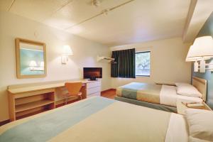 Motel 6 Newport Rhode Island, Отели  Ньюпорт - big - 26