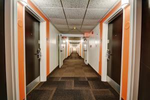 Motel 6 Newport Rhode Island, Отели  Ньюпорт - big - 20