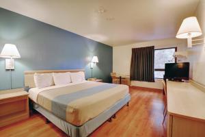 Motel 6 Newport Rhode Island, Отели  Ньюпорт - big - 11