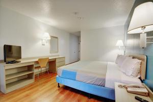 Motel 6 Newport Rhode Island, Отели  Ньюпорт - big - 2