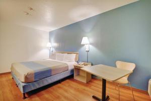 Motel 6 Newport Rhode Island, Отели  Ньюпорт - big - 12
