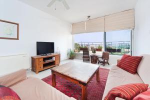 Kfar Saba View Apartment, Apartmány  Kefar Sava - big - 51