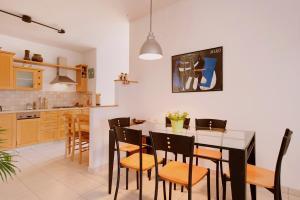 Kfar Saba View Apartment, Apartmány  Kefar Sava - big - 49