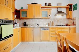 Kfar Saba View Apartment, Apartmány  Kefar Sava - big - 32