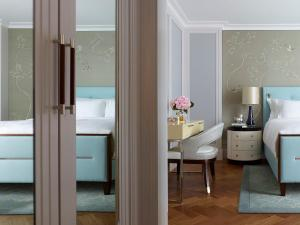 One Bedroom Suite with Executive Access