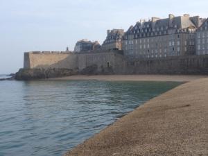 Apartment Le 1725, Ferienwohnungen  Saint-Malo - big - 44