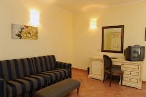 Hotel Urbano V, Отели  Монтефьясконе - big - 6
