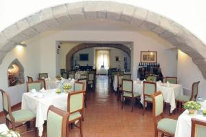 Hotel Urbano V, Hotel  Montefiascone - big - 22