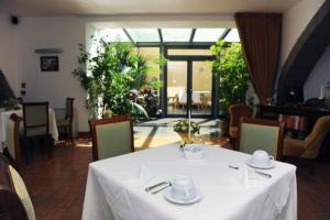 Hotel Urbano V, Отели  Монтефьясконе - big - 24