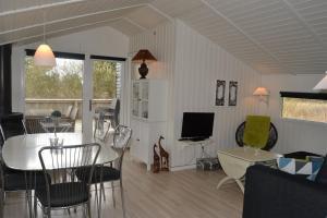 Holiday home Mikkelsens F- 930