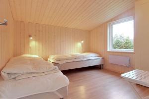 Holiday home Følfodvej G- 1187, Nyaralók  Bøtø By - big - 11