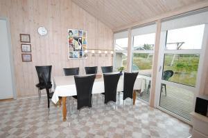 Holiday home Fyrmarken E- 1273, Case vacanze  Nørre Lyngvig - big - 4