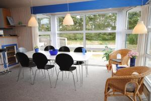 Holiday home Fyrmarken B- 1278, Holiday homes  Nørre Lyngvig - big - 4