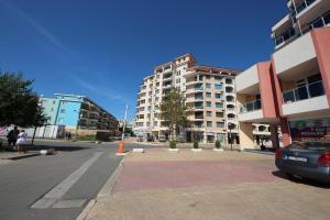 Menada Esperanto Apartments, Apartmány  Slunečné pobřeží - big - 97