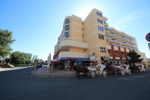 Menada Esperanto Apartments, Apartmány  Slunečné pobřeží - big - 96