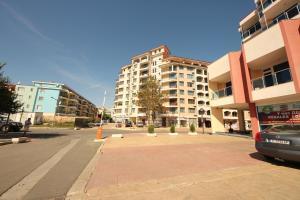 Menada Esperanto Apartments, Apartmány  Slunečné pobřeží - big - 109