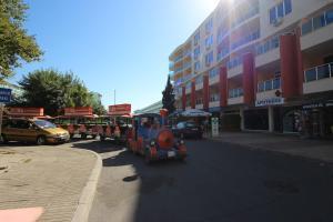 Menada Esperanto Apartments, Apartmány  Slunečné pobřeží - big - 77