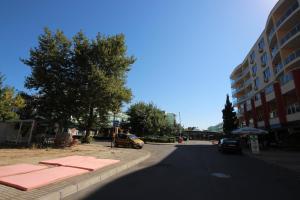 Menada Esperanto Apartments, Apartmány  Slunečné pobřeží - big - 76