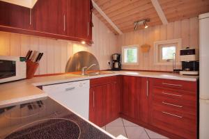 Holiday home Lupinvej H- 2772, Дома для отпуска  Bøtø By - big - 12