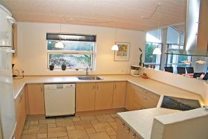 Holiday home Revlingestien E- 3705, Case vacanze  Torup Strand - big - 17
