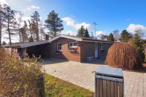 Holiday home Snebærvej E- 4209, Ferienhäuser  Bøtø By - big - 5