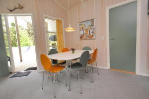 Holiday home Tyttebærstien A- 4941, Dovolenkové domy  Torup Strand - big - 12