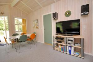 Holiday home Tyttebærstien A- 4941, Holiday homes  Torup Strand - big - 5