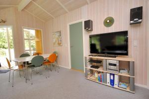 Holiday home Tyttebærstien A- 4941, Dovolenkové domy  Torup Strand - big - 5