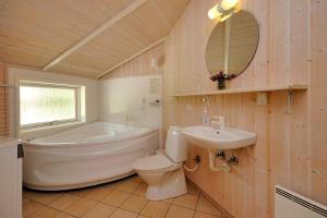 Holiday home Tyttebærstien A- 4941, Holiday homes  Torup Strand - big - 20