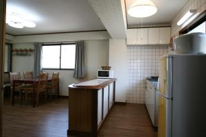 Garland Court Usami Private Hot Spring Condominium Hotel, Apartmanhotelek  Ito - big - 13