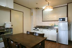 Garland Court Usami Private Hot Spring Condominium Hotel, Residence  Ito - big - 23