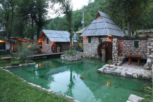 Rafting Camp Tara Center Tri Vodenice
