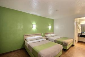 Motel 6 Milwaukee West - Brookfield, Отели  Brookfield - big - 8