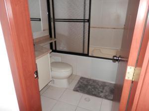 Maycris Apartment El Bosque, Appartamenti  Quito - big - 10