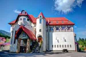 House of Dracula Hotel, Hotely  Poiana Brasov - big - 1