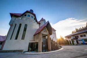 House of Dracula Hotel, Hotely  Poiana Brasov - big - 37