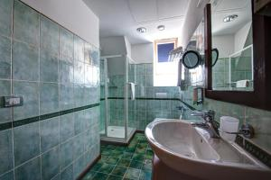 House of Dracula Hotel, Hotely  Poiana Brasov - big - 13