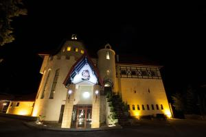 House of Dracula Hotel, Hotely  Poiana Brasov - big - 67